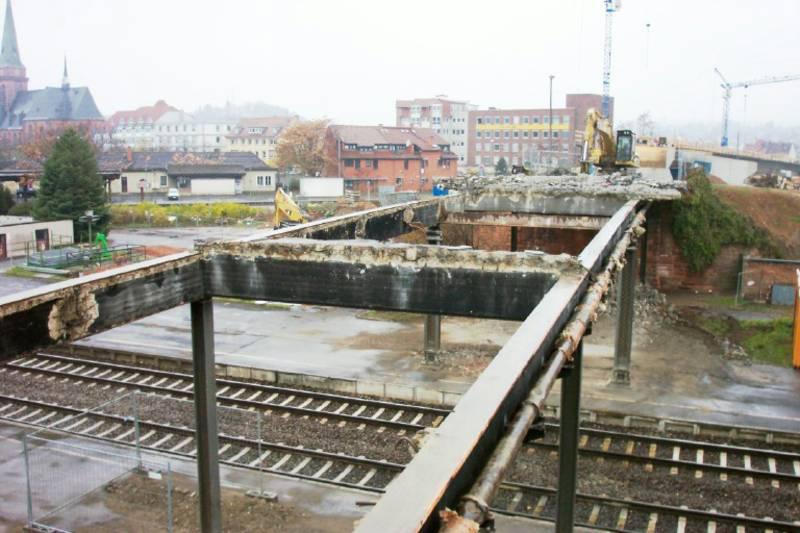 Brückenabbruch über Gleisen der Nord-Süd-Verbindung in Bad Kreuznach